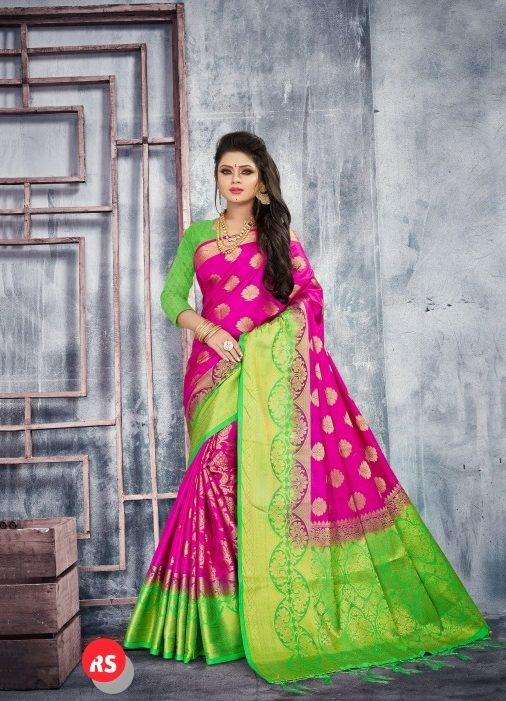 Heavy saree with contrast blouse