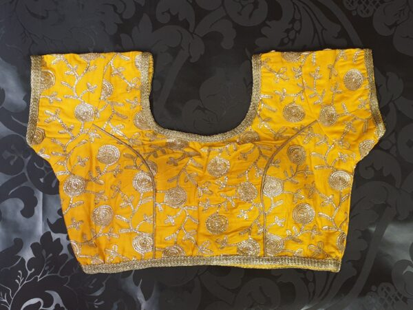 Sunny blouse with embroidery