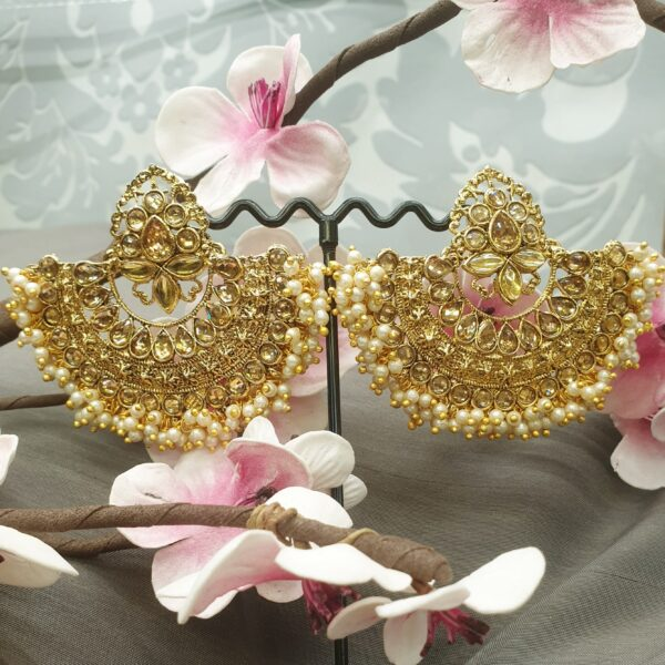 Awesome gold earring