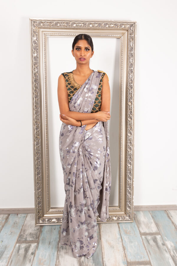 Readymade saree